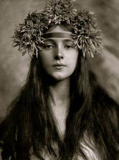 Every Little Counts: evelyn nesbit