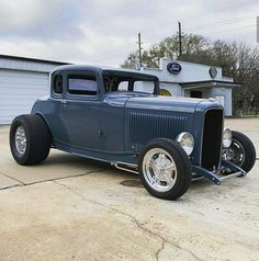 Old Hot Rods, 32 Ford, Roadster, American Muscle Cars, Old Skool, The Body Shop, Cool Cars, Antique Cars, Classic Cars