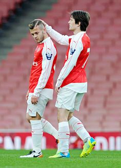 Tomas Rosicky and Jack Wilshere are back in action for Arsenal in the U21 match against Newcastle United U21! #COYG #Arsenal #AFC #legends #WelcomeBack