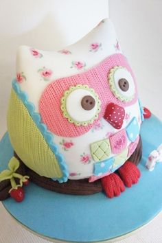 "Adorable Owl Cake!!!!! the cutest cake i""ve ever seen xxxxxxx"