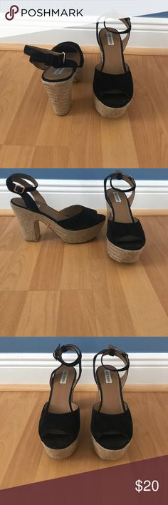 Steve Madden Wedges Steve Madden Black Wedges, only worn once! All prices are negotiable but please use the OFFER button in order to make me a different offer. I will do bundles just let me know what you are interested in but NO trades 😀 Steve Madden Shoes