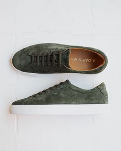 Marching Sneaker Suede Puma Platform, Platform Sneakers, Trainers, Fashion, Tennis, Moda, Fashion Styles, Athletic Shoes, Fashion Illustrations