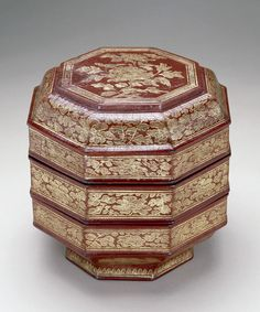 Tiered Box  China, late Yuan- early Ming Dynasty  The National Gallery of Asian Art
