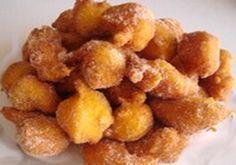 Receita de Sonhos de Limão | Doces Regionais Cake Recipes, Snack Recipes, Cooking Recipes, Snacks, Portuguese Desserts, Portuguese Recipes, Portuguese Food, Biscuits, Small Desserts