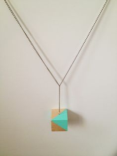 I really like this. DIY Color Block Necklace by fabricpaperglue, via Flickr