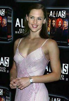 Jennifer Garner at press junket for release of 1st Season DVDs of Alias