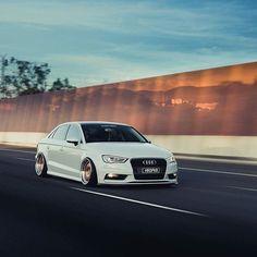 Holy sheet Owner: @corey.nolan Photo: @alcaptures #Audi #audigramm _____ Follow @stance_republik @europeanautohause @nw_autobahn_nation @revmotoring