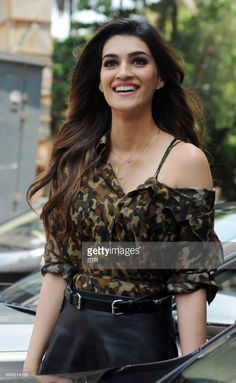 Indian Bollywood actor Kriti Sanon arrives for a promotional event for the forthcoming Hindi film 'Raabta' directed by Dinesh Vijan in Mumbai on. Indian Bollywood Actors, Bollywood Photos, Bollywood Actress Hot, Beautiful Bollywood Actress, Bollywood Stars, Beautiful Indian Actress, Bollywood Fashion, Beautiful Actresses, Indian Actresses