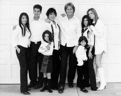 Kim, Rob, Kris, Kendall, Bruce, Kylie, Kourtney & Khloe, aww family ♥