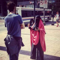 A collection of veiled beauties Cute Muslim Couples, Cute Couples, Islam Marriage, Muslim Family, Army Love, Islamic Pictures, Niqab, Modest Outfits, Longchamp