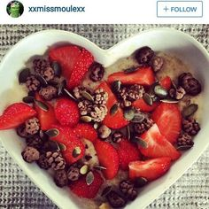 Chia oat porridge topped with strawberries and raw chocolate mulberries by @xxmissmoulexx yesyesyesyesyes. What are you having for breakfast? #raw #chocolate #rawchocolate #organic #vegan #fairtrade #pure #cleaneats #chia #rawchocolatemulberries by therawchocolatecompany