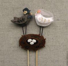 Композиция из фетра «Птицы в гнезде» — украшение для свадебного торта – Ярмарка Мастеров