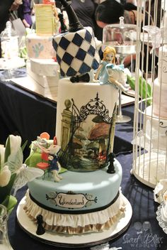 Alice in wonderland wedding theme- most beautiful cake!