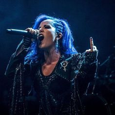 Alissa White-Gluz She is my spirit animal for reals! Nu Metal, Metal Girl, Looks Rock, Christian Rock Music, The Agonist, Ladies Of Metal, Alissa White, Women Of Rock, Arch Enemy