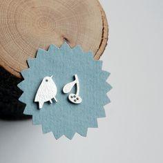Bird Earrings Discovery Bird Studs in Sterling door Joannarutter