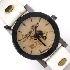 Reloj blanco con esfera en tonos pastel y borde negro. Con dibujos de dos gatos enamorados en su esfera. Disponible en la tienda www.zen-kat.com