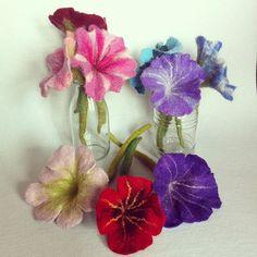 #filzblume #feltflower #gefilzt #felted #feltart #nassgefilzt
