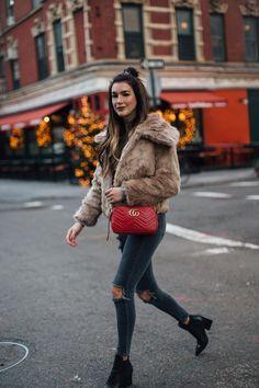 Winter Faux Fur - Gucci Purses - Ideas of Gucci Purses - Red Gucci Marmont Crossbody Gucci Purses, Gucci Handbags, Gucci Bags, Designer Handbags, Fall Winter Outfits, Autumn Winter Fashion, Look Fashion, Street Fashion, Outfits