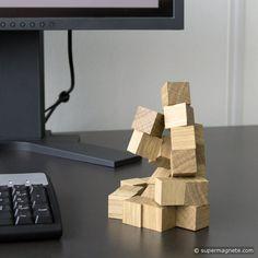 Magnetische Holzwürfel als Deko und zum Spielen / Magnetic wood blocks for playing and decoration Jenga, Wood Blocks, Magnets, Toys, Woodworking Toys, Playing Games, Tips And Tricks, Deco, Activity Toys