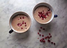 Tasty ginger cookie smoothie with coconut milk, frozen banana and spices. Raw Dessert Recipes, Candy Recipes, Raw Food Recipes, Healthy Recipes, Desserts, Deer Food, Coconut Milk Smoothie, Sweet Cooking, Ginger Cookies