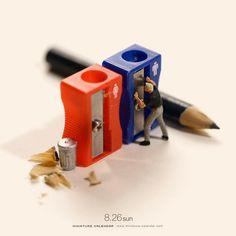 Miniature Art By Tatsuya Tanaka. Tatsuya Tanaka is a Japanese artist and Continue Reading and for more miniatures → View Website Creative Artwork, Creative Photos, Macro Fotografie, Miniature Calendar, Inspiration Artistique, Miniature Photography, Miniature Crafts, People Art, Japanese Artists