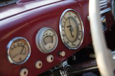 Deze auto doodde heel wat nazi's - VROOM. Cooking Timer, Auction, Trucks, Cars, Vehicles, Hush Hush, Autos, Truck, Car