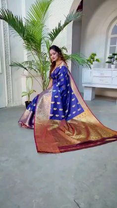 Saree Collection, Silk Sarees, Formal Dresses, Fashion, Dresses For Formal, Moda, Formal Gowns, Fashion Styles, Formal Dress