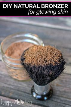 Homemade makeup is so much more affordable than store bought natural makeup! Learn how to make an easy DIY Natural Bronzer with two simple pantry ingredients. DIY makeup How Make a Simple DIY Natural Bronzer Best Natural Makeup, Natural Make Up, Natural Skin Care, Natural Makeup Products, Natural Beauty Recipes, Organic Makeup, Mac Cosmetics, Homemade Cosmetics, Homemade Bronzer