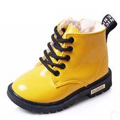 b441fc736bcb4 2018 New Hiver Enfants Chaussures PU En Cuir Étanche Martin Bottes Enfants  Neige Bottes Marque Filles Garçons Bottes En Caoutchouc De Mode Sneakers