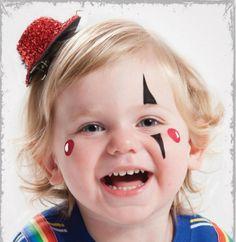maquillage Halloween super taquin avec un chapeau rouge