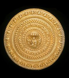 India | Hair ornament; Gold, backed with silver and interior filled with lac. | Bangalore, ca. 1880