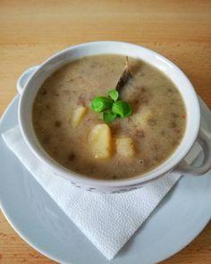 Šošovicová kyslá polievka - Receptik.sk Cheeseburger Chowder, Soup, Soups