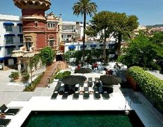 Located in central Sitges, Hotel Medium Sitges Park is a short walk from the beach but its real attraction is that it is housed in a striking reformed Modernista building. It is set in pleasant gardens, which feature a seasonal outdoor swimming pool.