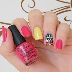 Floral Crítico Impala + Charged Up Cherry OPI Polish + Película Estilo Rosa. Yellow and pink nails. Nail art. Nail design. Polished. by @morganapzk