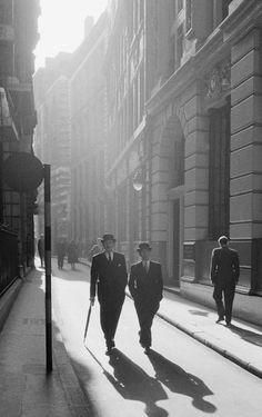 "n-o-i-r-w-h-i-t-e: "" London, 1955 Photo: Frank Horvat """