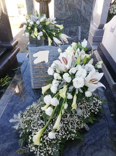Grave Decorations, Table Decorations, Funeral Tributes, Funeral Flowers, Ikebana, Fresh Flowers, Flower Designs, Floral Arrangements, Wedding