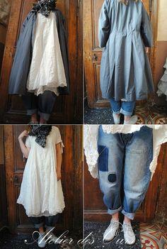 Veste + écharpe PrivatSachen, robe blanche EWA IWALLA, jean EWA IWALLA, chaussures RUNDHOLZ.