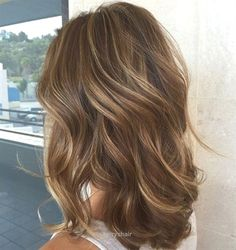Look Over This Blonde Highlights For Brown Hair – Some of the best highlight ideas for light brown hair are all based on achieving a natural look. Think of this style as the recreation of the highlights you used to get as a kid after long days spent outside. With inspiration like that, you'll a ..
