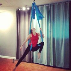"45 Likes, 5 Comments - Angela Lauren (@anglaur) on Instagram: ""Tonight's combo #aerialhammock #fitness #fit #fly #flexi #aerial #aerialist #aerialarts…"""