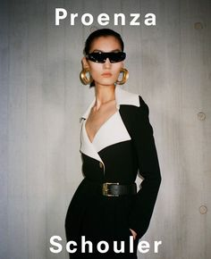 Achenrin Madit, Lina Zhang, and Maartje Verhoef star in Proenza Schouler's Spring Summer 2020 campaign captured by Pierre-Ange Carlotti. Fashion Gone Rouge, High Fashion, Womens Fashion, Fashion Editor, Editorial Fashion, Fashion Trends, Fashion Tips, Vintage Magazine, Campaign Fashion
