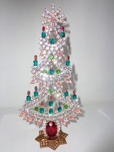 Vintage Christmas Tree Pins | Vintage 1940s/1950s czech mantel tree. Available at www ...