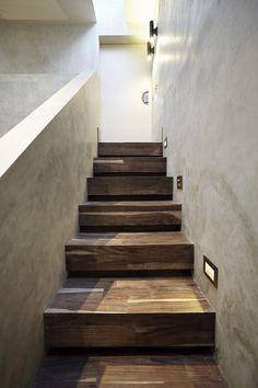 Bloktrap in luxe woonhuis | hal inrichting | interieur inspiratie | hallway ideas | Hoog.design