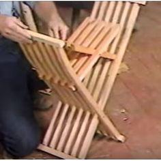 Ah! E se falando em madeira...: Video: Roy Underhill - Folding Folk Chairs