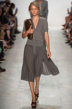 Michael Kors Spring 2014 RTW - Runway Photos - Fashion Week - Runway, Fashion Shows and Collections - Vogue Fashion Night, Fashion Over 50, Fashion Week, New York Fashion, Look Fashion, Runway Fashion, Spring Fashion, Fashion Show, Autumn Fashion