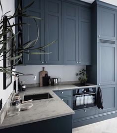 home 41 The Untold Story About Studio Apartment Ideas Tiny Kitchen You Must Read Or Be Left Out 99 D Apartment Kitchen, Home Decor Kitchen, Studio Apartment, Apartment Ideas, Studio Condo, Grey Kitchen Designs, Interior Design Kitchen, Küchen Design, Home Design