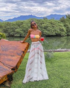 PHOTOLOVE Endless summer Summer fashion Summer vibes Summer pictures Summer photos Summer outfits January 25 2020 at Vacation Outfits, Summer Outfits, Cute Outfits, Summer Dresses, Tropical Outfit, Black And White Pants, Beachwear Fashion, Beach Look, Party Looks