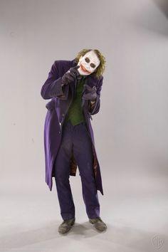 Illustration for article titled Astounding collection of lost Dark Knight promo images show every detail of The Joker Batman Comic Art, Batman Comics, Batman Robin, Batman Batman, Batman Arkham, Harley Quinn, Joker And Harley, Der Joker, Heath Ledger Joker