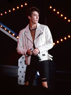 exo oh sehun Sehun, Exo Ot9, Park Chanyeol, Rapper, Xiuchen, Exo Korean, Exo Members, Look Cool, Photos