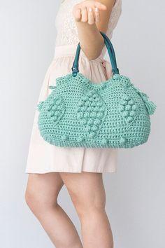He encontrado este interesante anuncio de Etsy en https://www.etsy.com/es/listing/185753681/expres-shipping-mint-bag-red-tote-boho