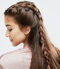 Looking for the best hair accessories for Coachella? Click here for the festival-worthy for your Coachella hairstyles.